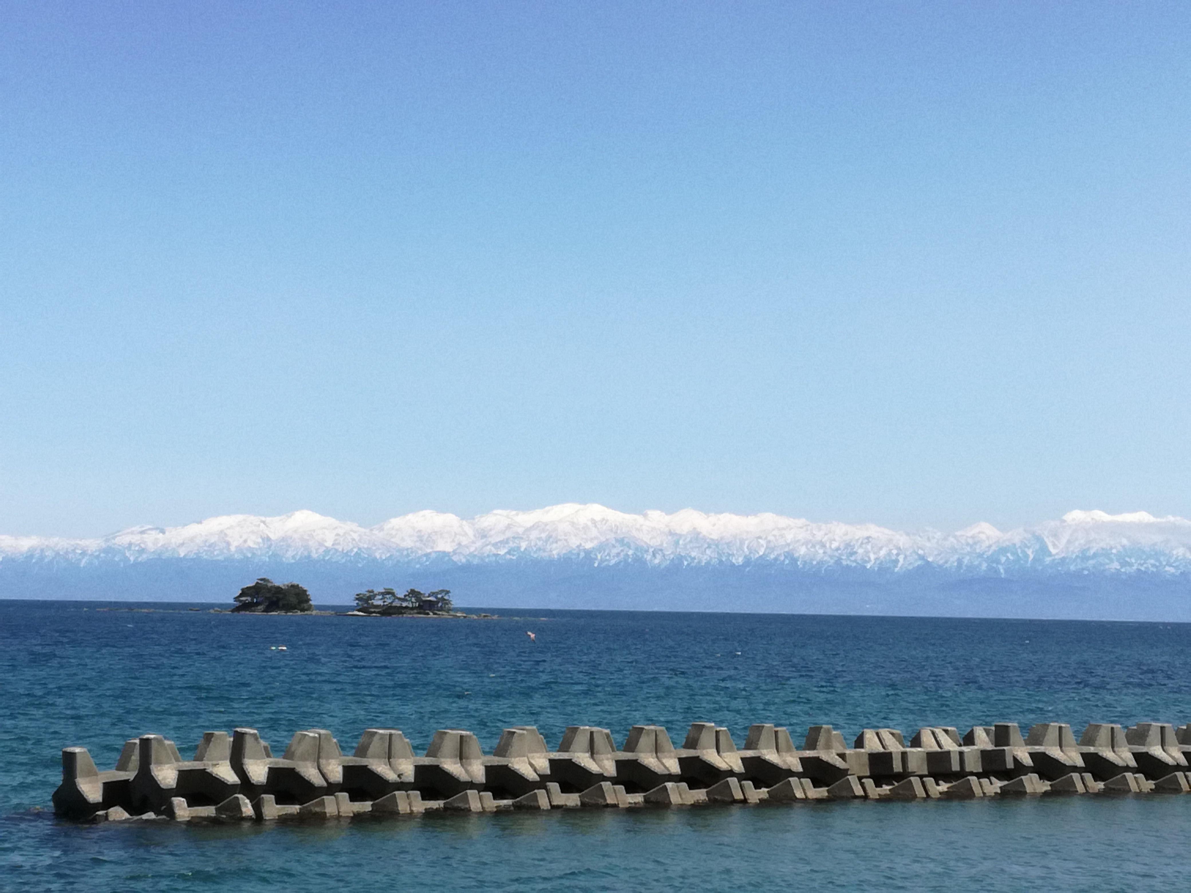 氷見の海岸線はドライブコースに最適!海越しの立山連峰は絶景!