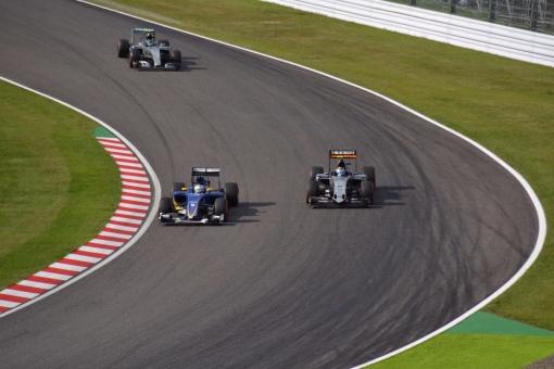 グロージャンとガスリーがF1で接触事故!トロロッソ・ホンダの順位は?