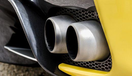 車のマフラーから白煙を排気する季節は冬や寒い時期に多い?
