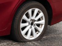 タイヤパンク修理不可